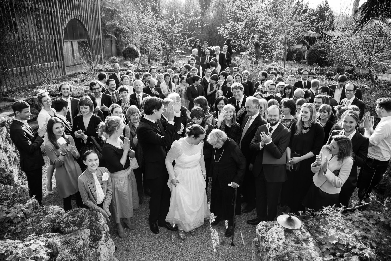 Gruppenfotos sind wichtig, aber gebt eure Hochzeitsfotograf die Möglichkeit, seiner Arbeit möglichst frei nachzugehen